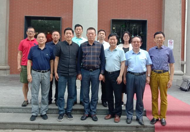 上海广告协会杜贵根会长一行 到上海大学新闻传播学院座谈交流